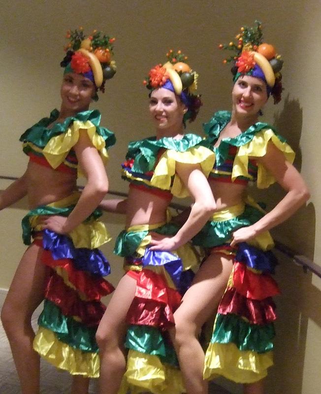 Costumes internationaux , Productions Plumeria , spectacles